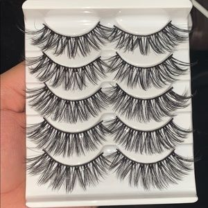 BRAND NEW 5 pairs of 3D mink lashes